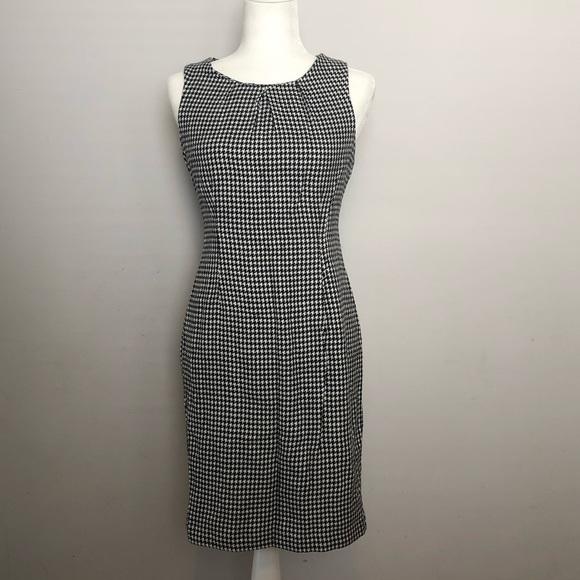 Forever 21 Dresses & Skirts - Forever 21 black/white houndstooth dress